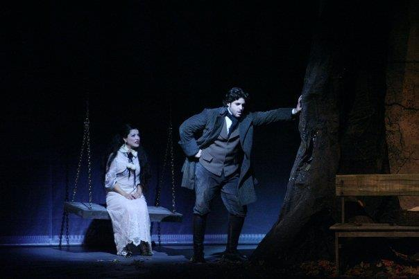 """Raul Veiga como Herculano em """"7 - O Musical"""", ao lado de Alessandra Verney"""