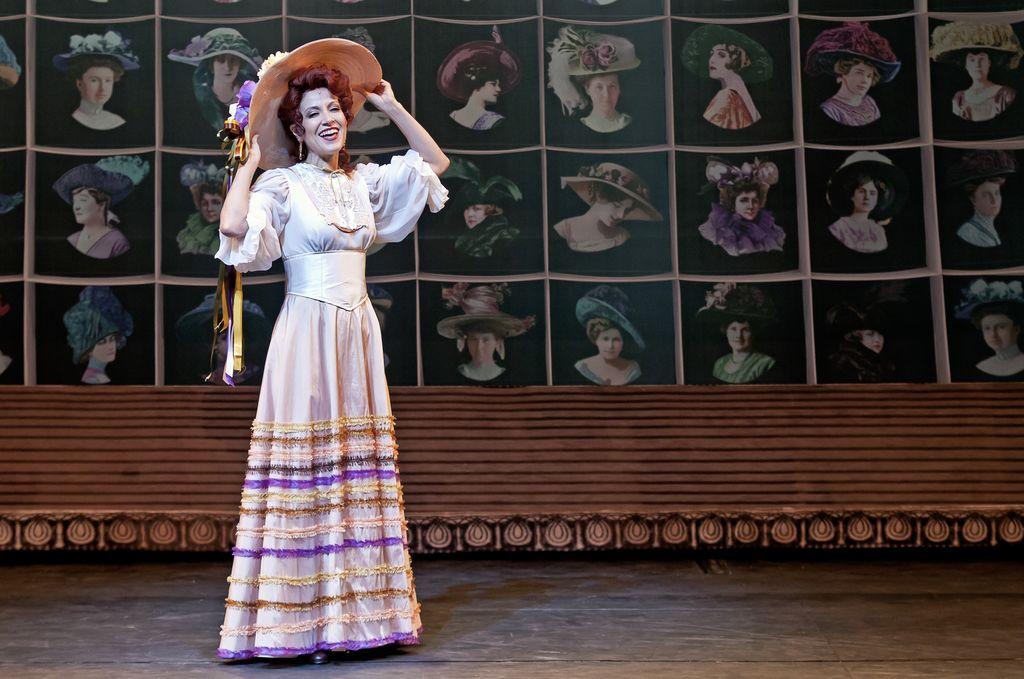"""Irene Moloy, personagem de Alessandra em """"Alô Dolly"""""""