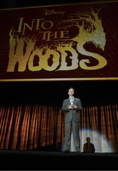 "Sean Bailey, Presidente da Divisão de Cinema da Disney fala sobre as filmagens de ""Into The Woods"""