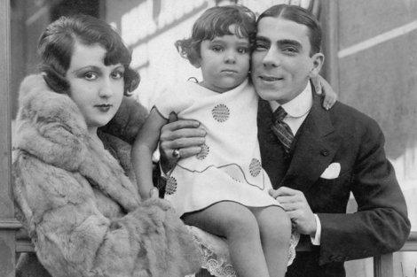 Bibi Ferreira e os pais - Foto: Divulgação