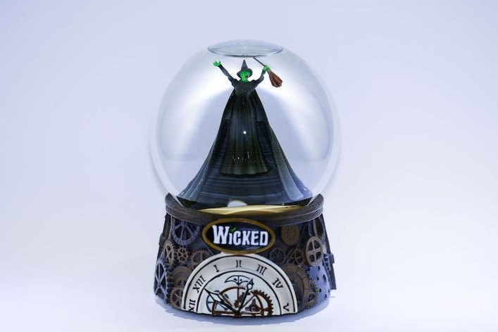 "Globo Wicked ""Defying Gravity"""