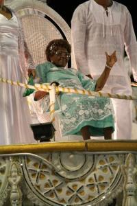 Dona Ivone Lara durante desfile da escola de samba Império Serrano - Foto: Divulgação