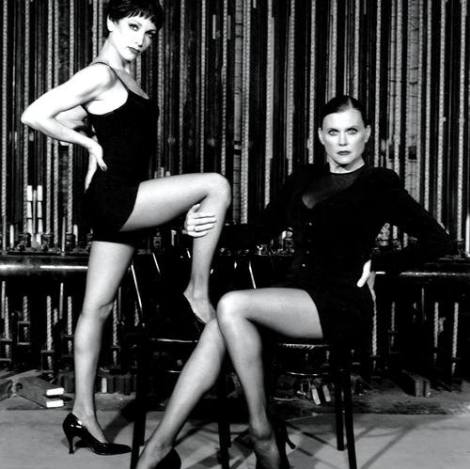 Bebe Neuwirth (Velma Kelly) e Ann Reinking (Roxie Hart) no revival de Chicago em 1997