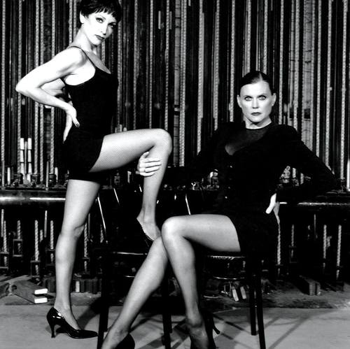 Bebe Neuwirth (Velma Kelly) e Ann Reinking (Roxie Hart) no revival de Chicago em 1997