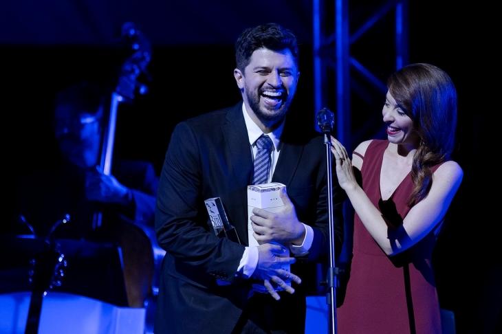 Bianca Tadini e Luciano Andrey, ganhadores do prêmio de Melhor Versão - Foto: Náira Messa