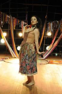 Aline Carrocino é Marineide - Esposa de Josinaldo, uma mulher muito fogosa