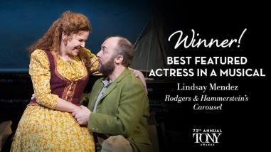 """Lindsay Mendez vence o prêmio de melhor atriz coadjuvante em um musical por sua atuação em """"Carousel"""""""
